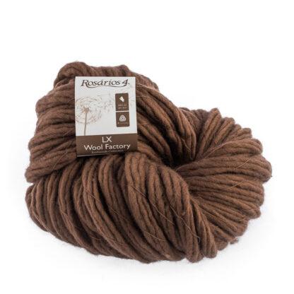 LX Wool Factory cu fir răsucit supergros este din 100% lână naturală, ecologică şi face parte din gama Eco-friendly a companiei portugheze Rosarios4.