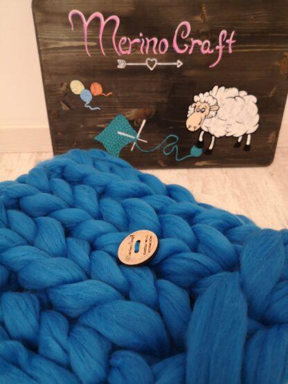 patura bebe impletita manual din lana merinos albastra
