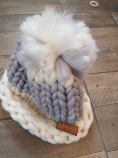 caciulita impletita manual din lana organica lalala Rosarios4