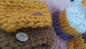 Fulare impletite manual din lana organica Lalala Rosarios4